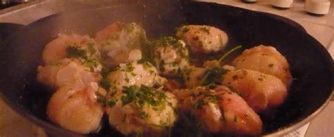 cuisiner de la raie joues de raie et chignons a la crème au curry le