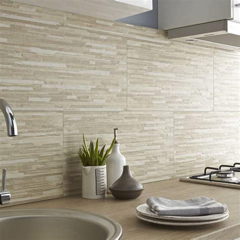 carrelage cuisine mur carrelage mur beige listello l 30 x l 60 cm leroy merlin