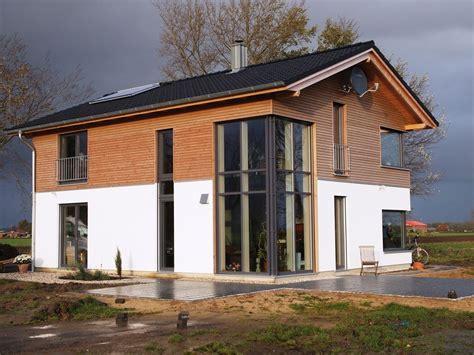 Moderne Häuser Mit Holzfenster by Hausansicht Home In 2019 Haus Ideen Haus Und Haus Pl 228 Ne