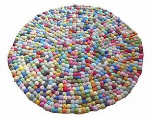on veut un tapis rond pour embellir une piece With tapis en laine ikea