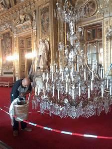 Lustre à Pampilles : comment nettoyer un lustre pampilles de cristal cr ation artisanale de luminaires de luxe ~ Teatrodelosmanantiales.com Idées de Décoration