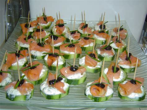 la cuisine de 187 canap 233 s au concombre saumon fum 233