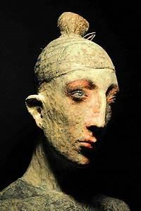 Sculpture En Papier Maché : 4316 best keramiek mensfiguren images on pinterest sculptures ceramic art and art sculptures ~ Melissatoandfro.com Idées de Décoration