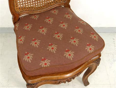 chaise cannée louis philippe chaise louis xv cannée noyer sculpté fleurs antique