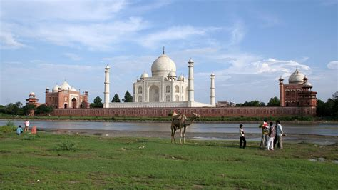 The Taj Mahal Dont Forget The Gardens Of This Moving