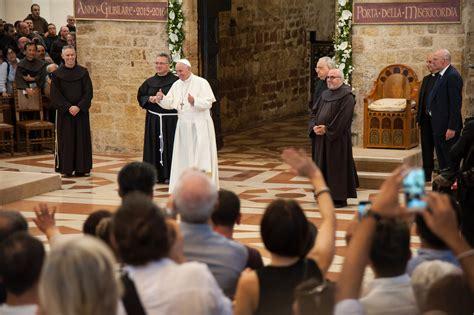pape franois a assise l 201 glise a besoin d 234 tre 171 r 233 par 233 e 187 affirme le pape fran 231 ois la croix