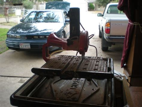 husky thd950l tile saw espotted