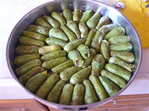 cuisine des courgettes les courgettes farcies d aïsha a table