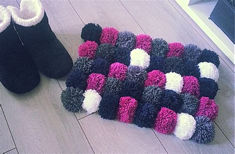 faire un tapis en d 233 coration tapis avec pompon 79 tapis avec cuisine comment faire un tapis avec pompons