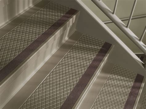 Johnsonite Rubber Flooring Dealers by Flexco Rubber Flooring Vinyl A Beautiful Stair Treads