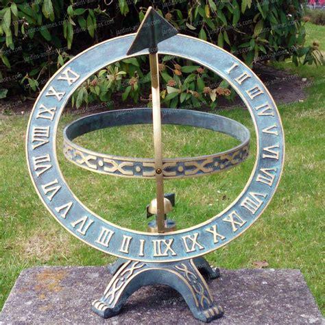 cadran solaire armillaire piedestal bronze cadran solaire