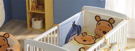 tour de lit bebe ourson tour de lit winnie l ourson de disney pour la chambre de b 233 b 233 pas cher