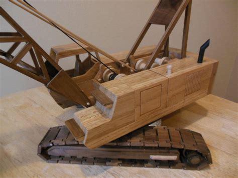 toys  joys lattice crane finished  dee