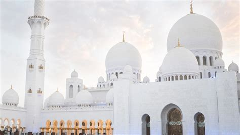 sheikh zayed grand mosque centre invites residents