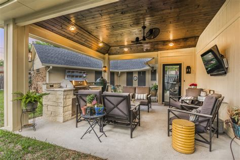 Patio Cover And Outdoor Kitchen In Grand Prairie Texas