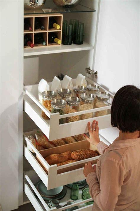 astuce cuisine astuce rangement placard cuisine maison design bahbe com
