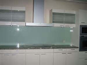 Kitchen With Glass Backsplash August 2015