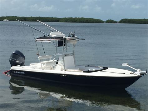Contender Boats Vs Everglades by Wtb Contender 25 Bay Everglades 243cc Maybe The Hull
