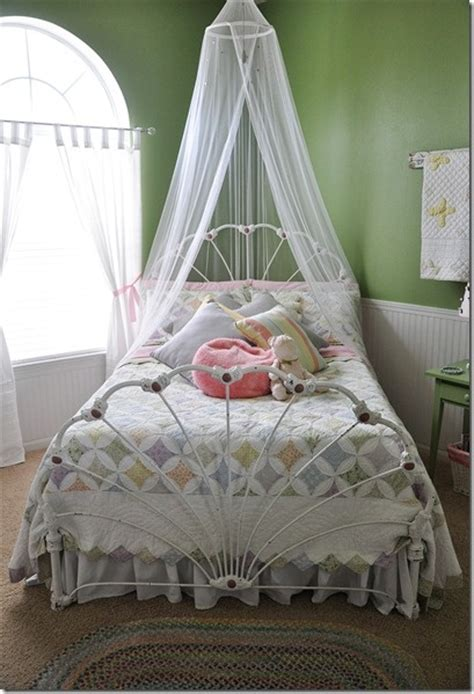 25+ Best Ideas About Curtain Over Bed On Pinterest