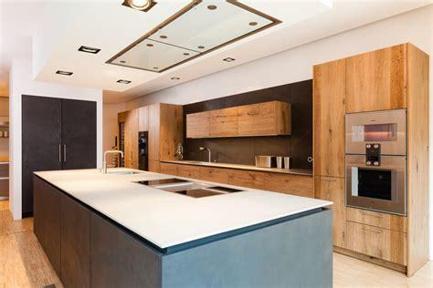Küche Mit Holz by Kontrastreich Holz Und Beton Im Wechselspiel