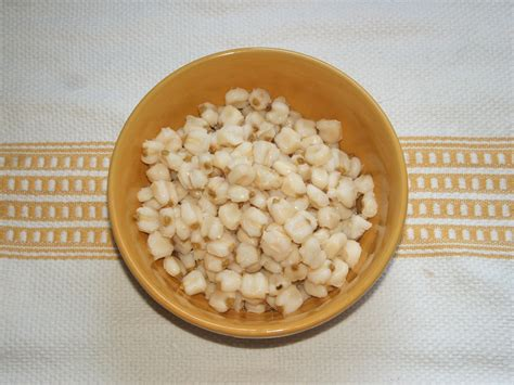 what is hominy file hominy maize jpg wikipedia