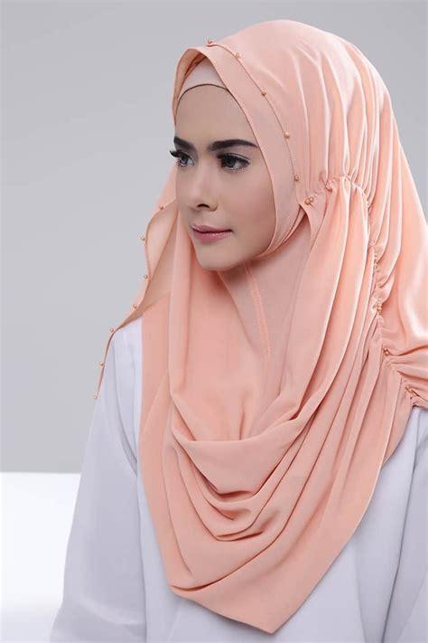 pin oleh eva zuliana  sewing kerudung gaya chic gaya hijab