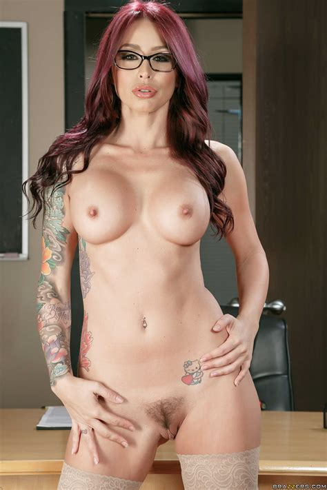 good looking woman likes casual sex adventures photos monique alexander danny d milf fox