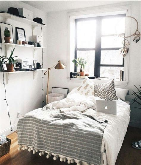 decorating small room ideas best 25 tiny bedrooms ideas on pinterest tiny bedroom design small bedrooms and tiny bedroom