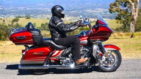 harley davidson cvo road glide ultra test motorbike writer