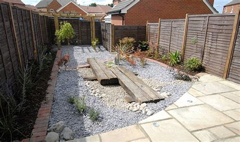 7 landscaping ideas for low maintenance garden home
