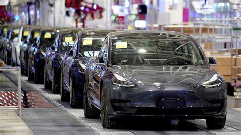 Get Tesla 300 000 Miles Background