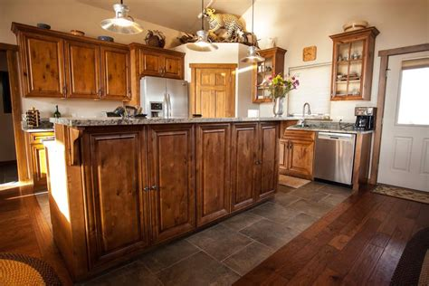 knotty maple kitchen cabinets knm raised panel door premium cabinets 6672