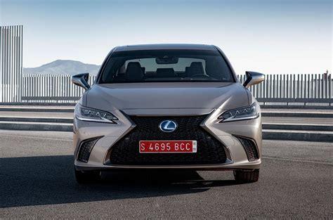 Review Lexus Es by Lexus Es 300h 2019 Review Autocar