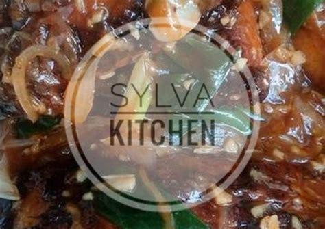 Yuk simak resep kepiting saus padang yang pedas dan nikmat di sini. Resep Gurame Saus Padang oleh syazwarya - Cookpad
