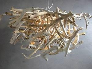 Lustre En Bois Flotté : lustre en petit morceaux de bois flott bois flott pinterest morceau de lustre et bois ~ Teatrodelosmanantiales.com Idées de Décoration