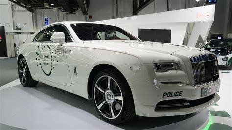 dubai adds five new luxury patrol cars to fleet the national