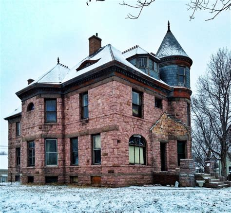 7 Strange And Unique Houses In South Dakota