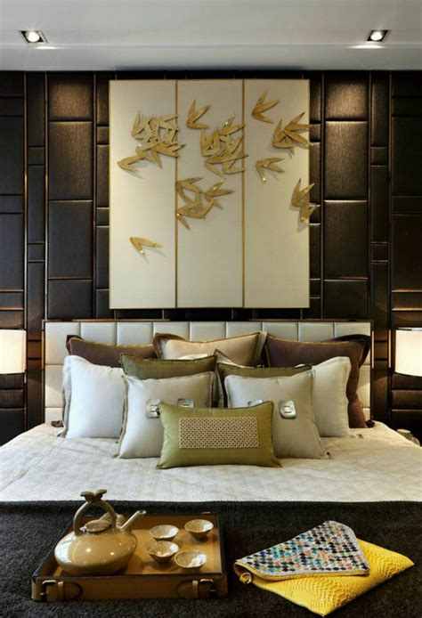top idee deco chambre lit zen tapisserie en marron avec
