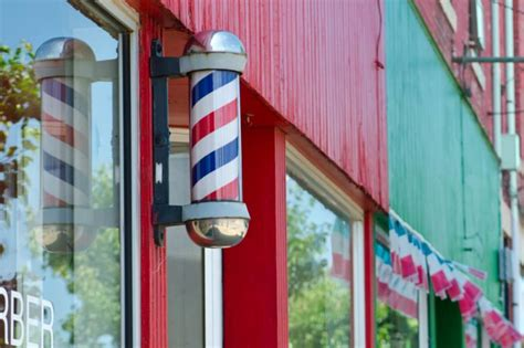 gruesome meaning   common barber pole
