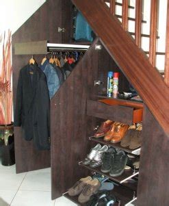 dressing bureau elegance rangement placard sous escalier