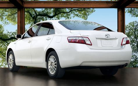 Toyota Camry Hybrid Backgrounds by Toyota Camry Hybrid Wallpapers And Images Wallpapers