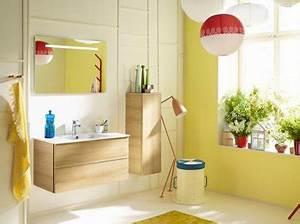salle de bains couleur jaune meubles chene clair modele With meuble de salle de bain jaune