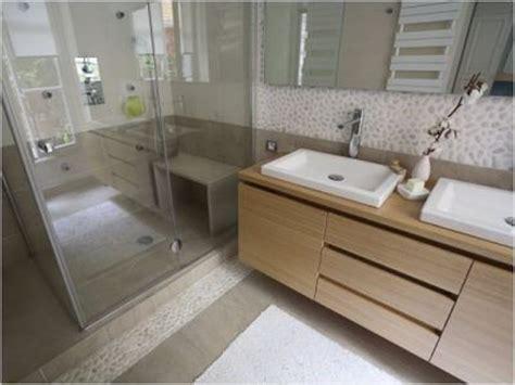 salle de bain zen galet 1000 id 233 es sur le th 232 me sol de galets sur carreaux de galets tuile et plancher de