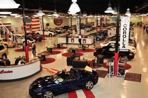 See-inside Car Dealership, Neptune