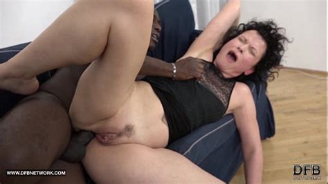 mature squirts and goes crazy when fucked by black man with his big cock xvideos