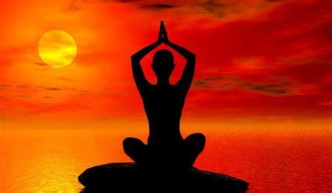 sun salutation surya namaskar yoga  beginners lifestyle