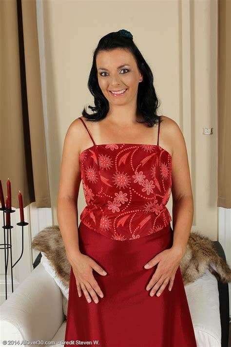 Kinky 35 Year Old Leona Sweet Slides From Her Elegant