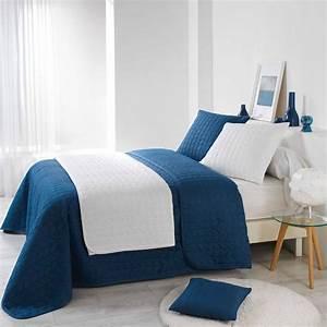Couvre Lit Blanc : couvre lit 220 x 240 cm erika bleu indigo couvre lit boutis eminza ~ Teatrodelosmanantiales.com Idées de Décoration