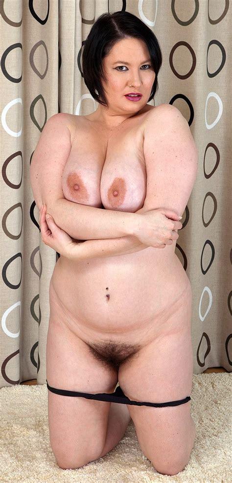 Uk Milf Alabama With Hairy Pussy Has A Nice Big Tits