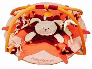 doudou et compagnie tapis d39eveil lapin orange With tapis chambre bébé avec doudou lapin fleur